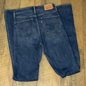 Levi's High Rise flare size 26